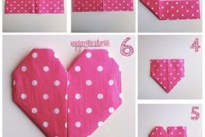 Origami sanatıyla kalp peçete katlama