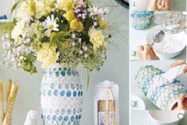 Renkli taşlardan dekotarif vazo süslemesi